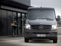 Mercedes-Benz-Sprinter-4